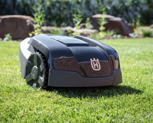 Gartenbau Landschaftsbau Mähroboter in Bocholt kaufen Innovatio Rasen mähen Roboter Gartenpflege Gartengestaltung Bocholt Rhede